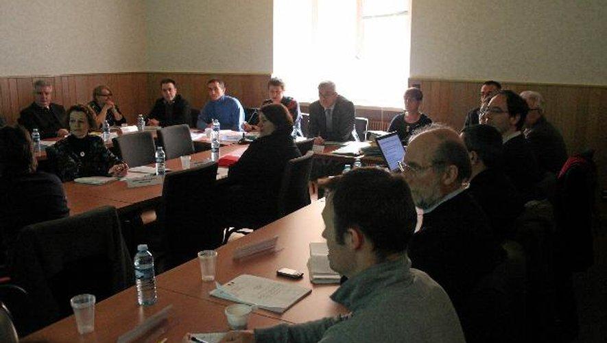 Les membres du Coderst et leurs suppléants délibèrent dans les locaux de la préfecture.