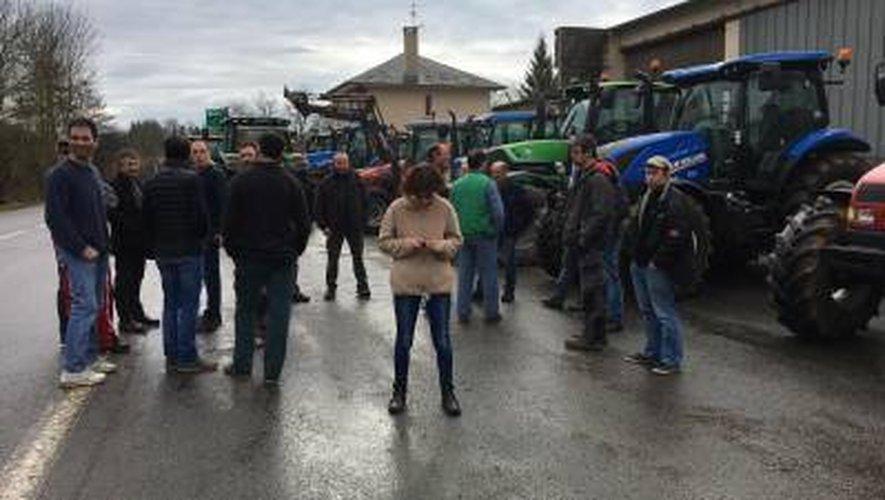 Les agriculteurs en colère en Aveyron : la mobilisation se poursuit vendredi