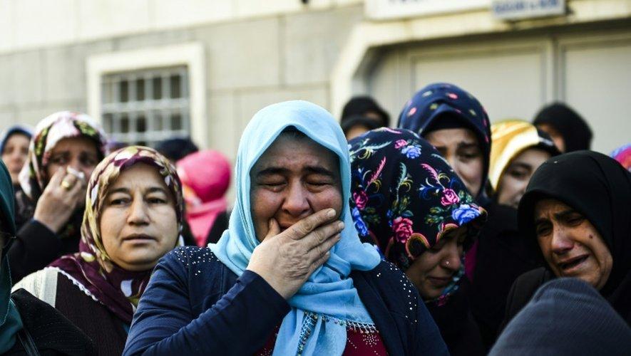 Cérémonie funèbre pour une victime de l'attentat dans une boîte de nuit à Istanbul, le 2 janvier 2017