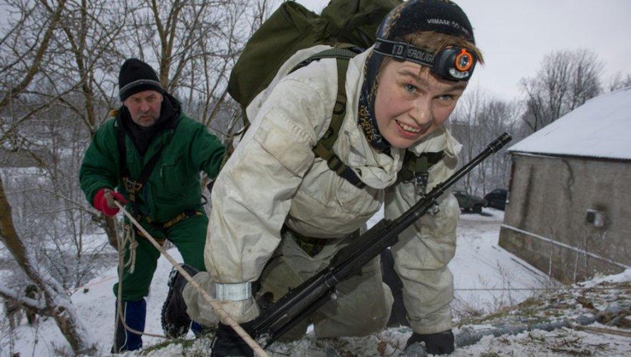 Entraînement de paramilitaires à Narva, en Estonie, le 14 janvier 2017