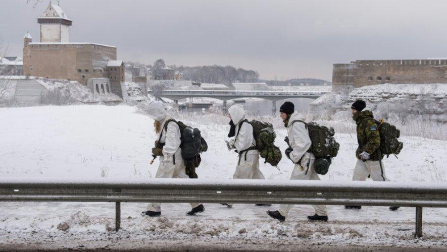 Des paramilitaires s'entraînent à Narva, le 14 janvier 2017