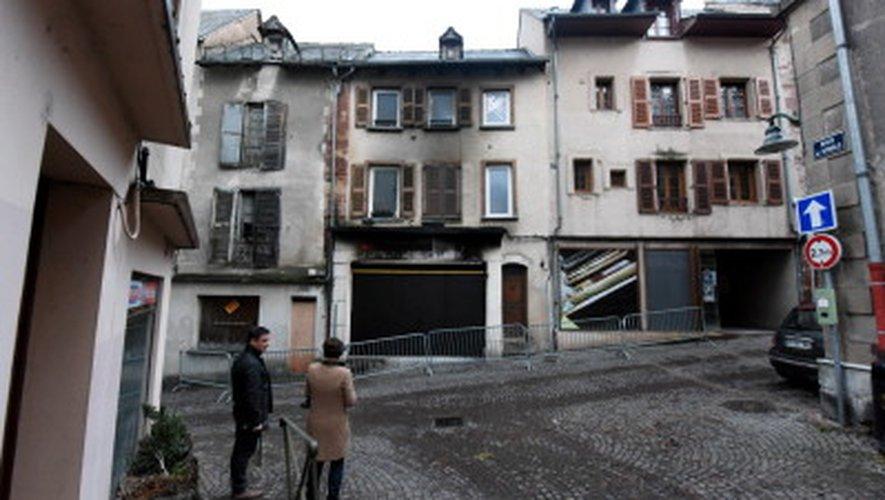 Rue de Bonald: les policiers sauvent un homme des flammes