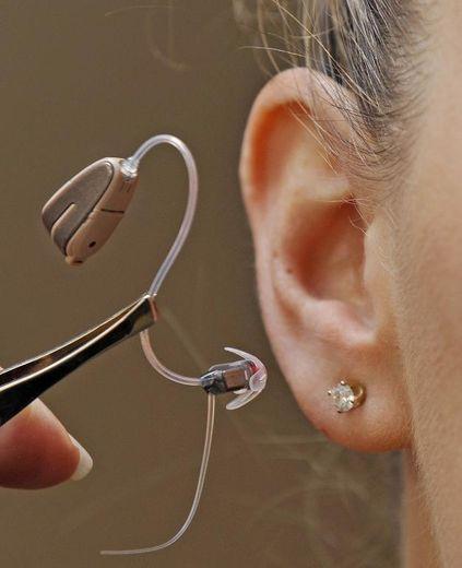 Une prothèse auditive est présentée à Melbourne en mai 2009