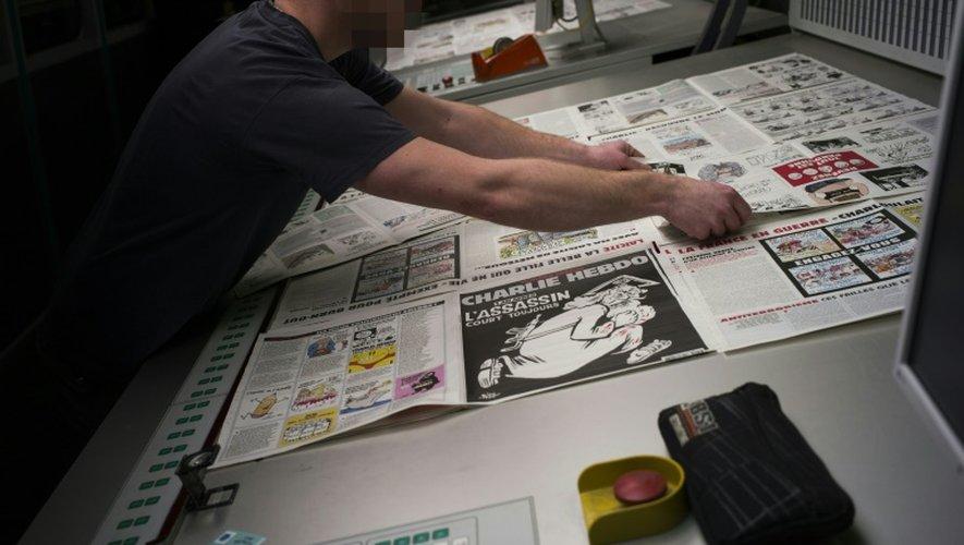 Impression de l'édition de Charlie Hebdo le 4 janvier 2016 près de Paris