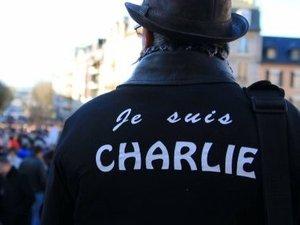 """Attentats : il y a un an... 25 000 """"Charlie"""" dans les rues de l'Aveyron"""