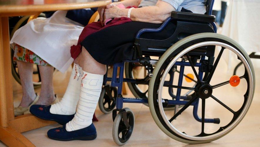 Des pensionnaires d'un établissement gériatrique le 1er octobre 2014 à Ivry-sur-Seine
