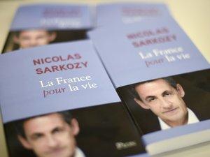 """Quand Sarkozy évoque à tort une """"campagne"""" violente entre Bush et Obama..."""