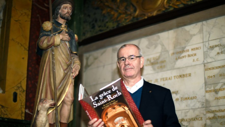 Le Père Philippe Desgens dans l'église Saint Roch à Paris, le 25 janvier 2016