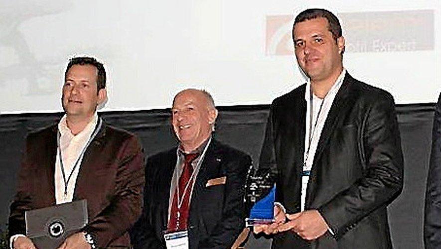 Joël Hugonnet et David Chassang aux côtés du président de la CCI de l'Aveyron, Manuel Cantos.