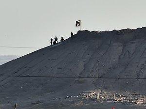 L'EI affirme qu'une otage américaine a été tuée lors d'un raid de la coalition en Syrie