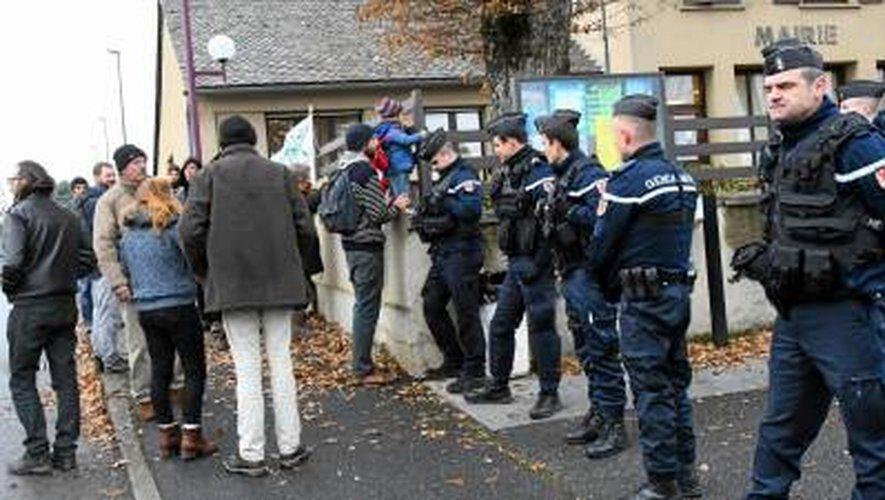 (VIDEOS) L'opposition au «méga transformateur» de Saint-Victor se poursuit à Flavin