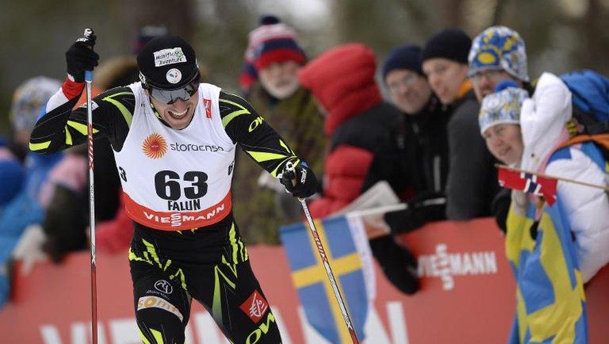 Le Français Maurice Manificat sur la piste du 15 km libre des Mondiaux de ski nordique, le 25 février 2015 à Falun en Suède.