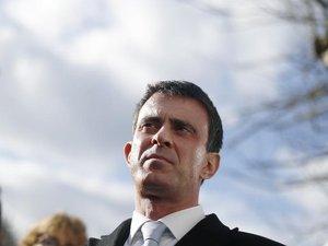 """Valls dit sa """"peur"""" face à un FN en mesure de gagner en 2017"""
