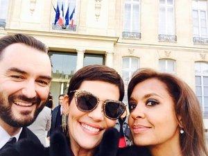 Cyril Lignac en mode selfie à l'Elysée
