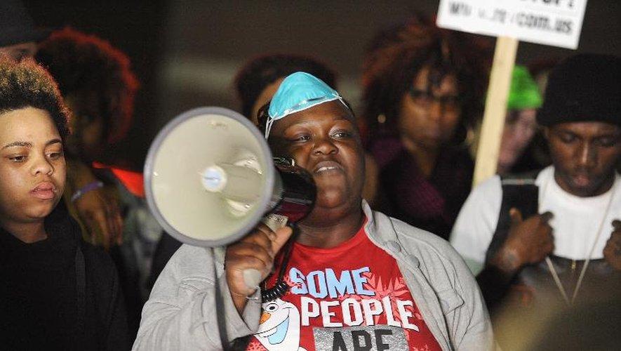 Etats-Unis: nouvelle manifestation à Ferguson sous tension