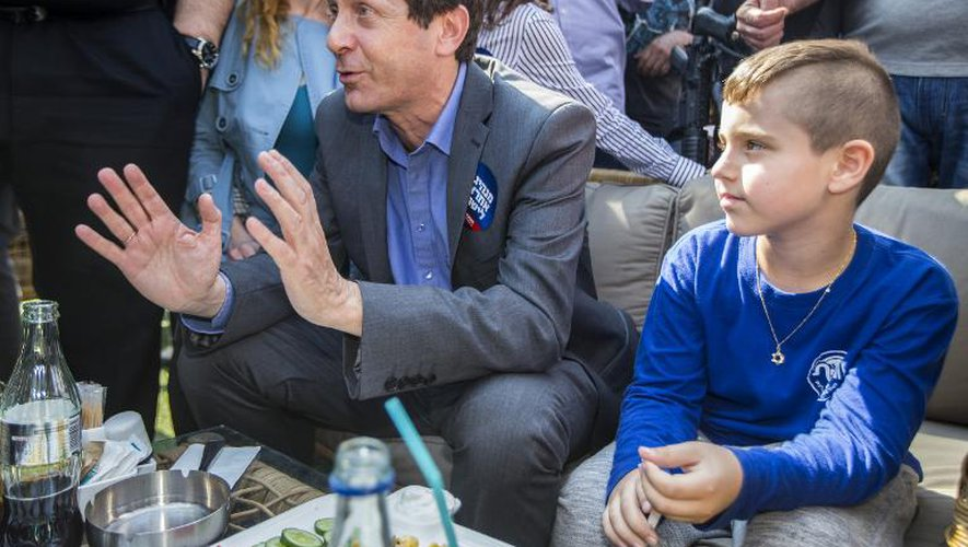 Le candidat travailliste israélien Isaac Herzog à Ashdod en Israël, le 13 mars 2015