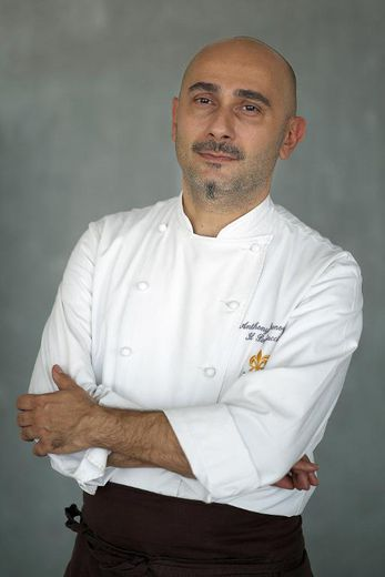 Le chef italien Anthony Genovese, pose le 12 mars 2015 à Marseille