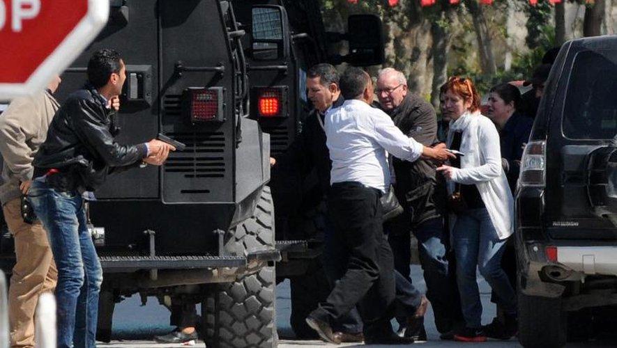 Attaque en Tunisie: 20 étrangers tués dont 13 identifiés (ministère Santé)