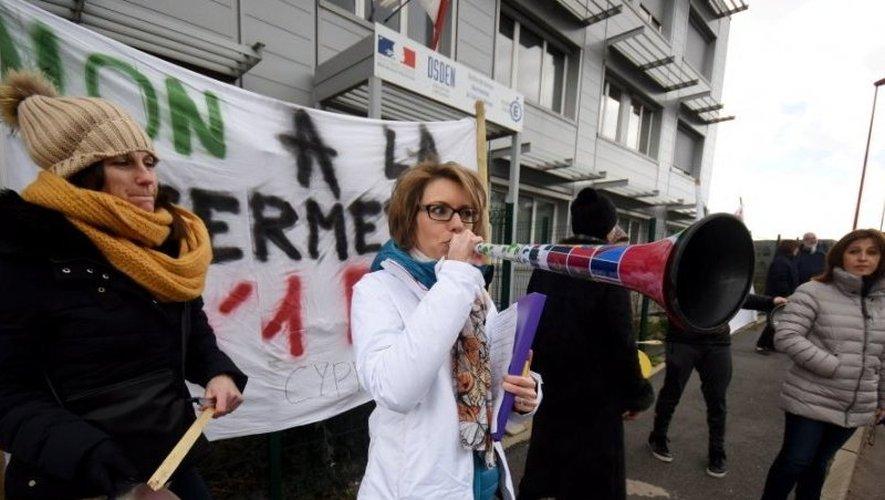 Le 15 février, les parents d'élèves de l'école de Saint-Cyprien-sur-Dourdou avaient manifesté devant les locaux de l'Éducation nationale à Rodez.