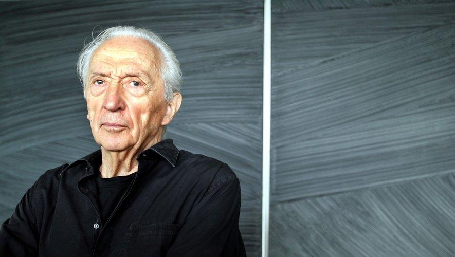Le peintre, 96 ans a été victime mercredi soir à son domicile à Sète (Hérault) d'un vol par ruse commis par deux faux policiers