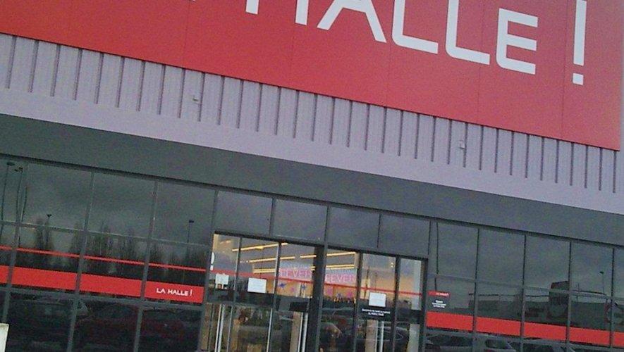 dcbfd9eda3 La Halle, Naf Naf, Kookaï : 1 600 suppressions de postes annoncées ...