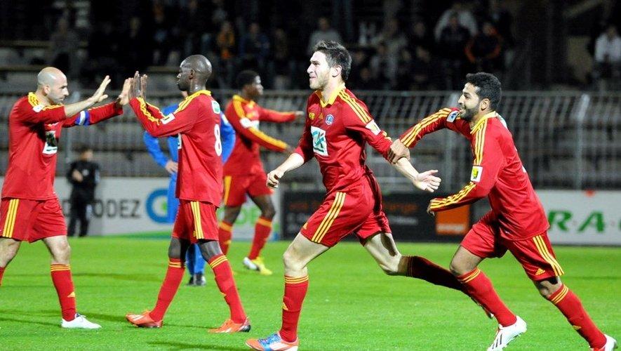 La joie des Ruthénois lors de la victoire à domicile face à Saint-Alban, à l'occasion du 6e tour.