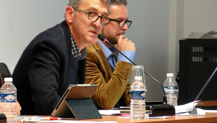 Christian Mazuc, au premier plan, l'adjoint aux finances.