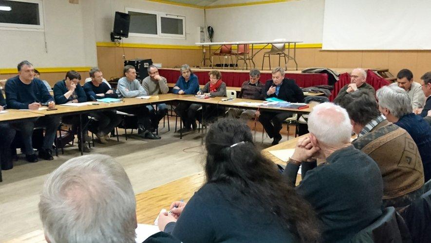 Les 26 délégués issus des dix communes qui composent historiquement le Pays baraquevillois se sont retrouvés à Camboulazet.