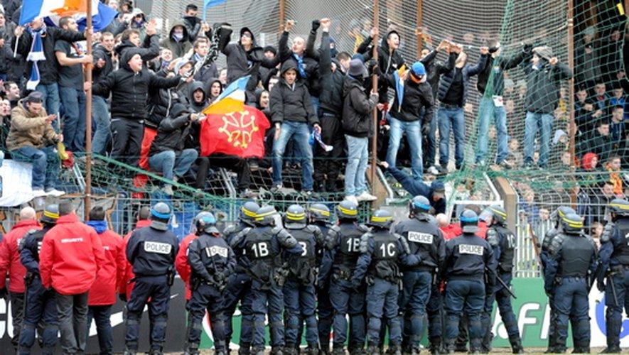 """Selon la municipalité, les dégradations des supporters de Montpellier se chiffreraient """"en milliers voire dizaines de milliers d'euros"""" ."""