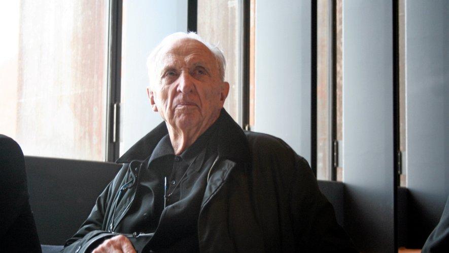 """A Rodez, Pierre Soulages, """"admiratif"""" de l'avancement des travaux du musée."""