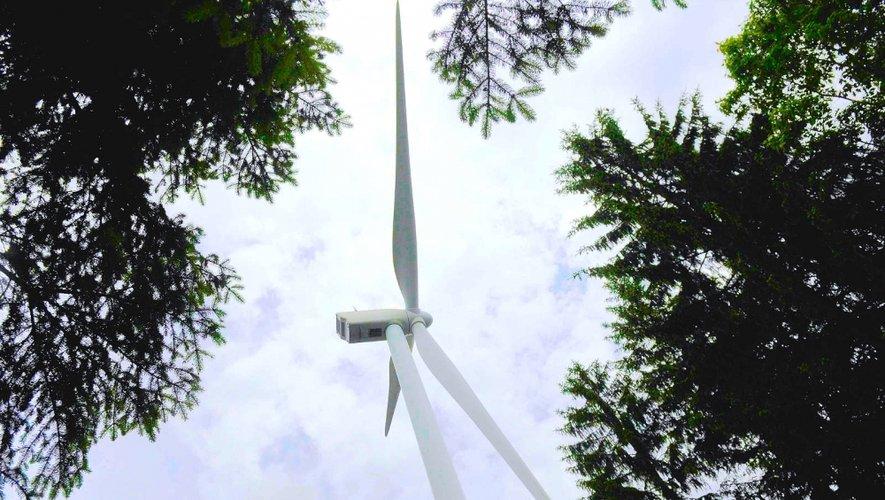 L'Assemblée nationale est revenue à une distance minimale de 500 mètres entre une éolienne et des habitations dans le projet de loi de transition énergétique, contre 1 000 mètres votés au Sénat.