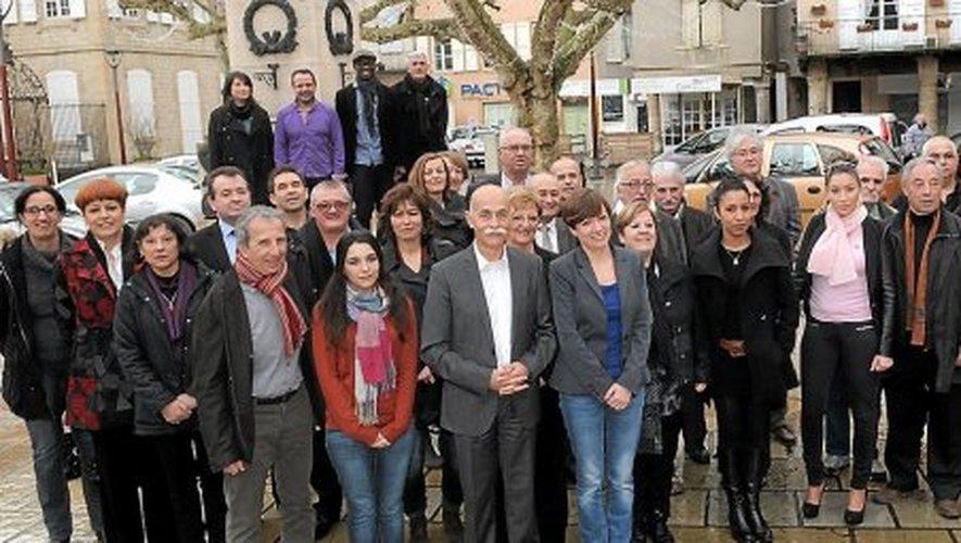 Le maire sortant a présenté hier les 34 colistiers avec lesquels il brigue un 2e mandat.