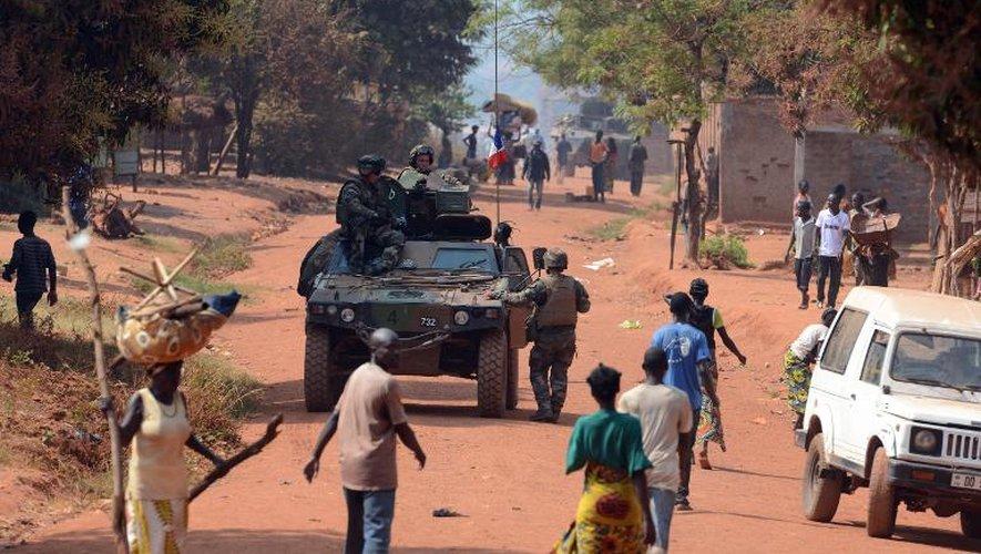 Des soldats français en patrouille à Bangui après une attaque de miliciens chrétiens anti-balaka dans un quartier musulman de la capitale centrafricaine, le 22 janvier 2014