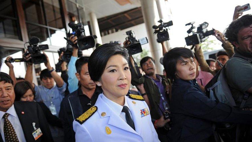La Première ministre thaïlandaise Yingluck Shinawatra après une réunion avec des membres de la commission électorale, le 28 janvier 2014 à Bangkok