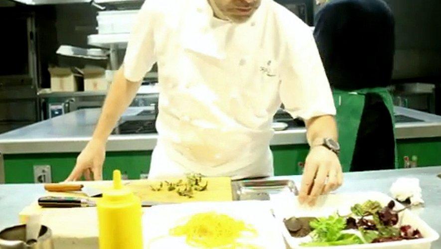Sébastien Bras dans sa cuisine avant la réouverture du Puech du Suquet le 7 avril.