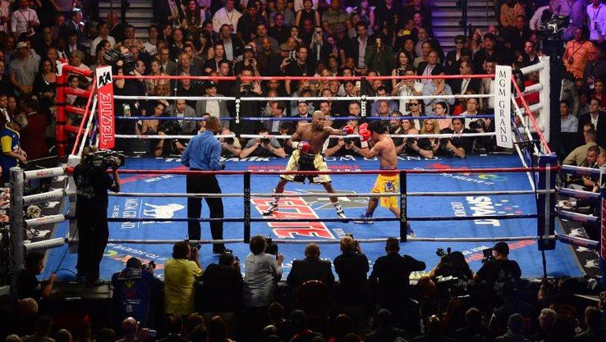 Floyd Mayweather et Manny Pacquiao lors de leur combat le 2 mai 2015 à Las Vegas