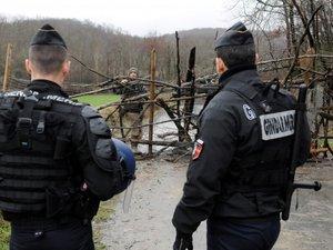 """Sivens : le gendarme lanceur de la grenade meurtrière """"témoin assisté"""""""