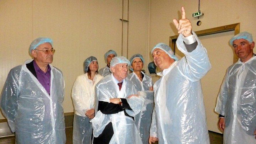 Manuel Cantos (centre), le président de la CCI a été accueilli par les responsables de Jeune Montagne.