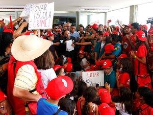 Brésil: la police réprime une manifestation de paysans sans terre