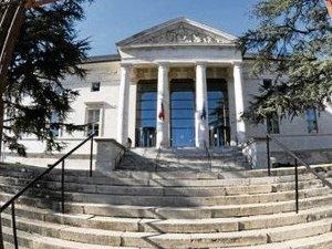 Quatre hommes et une femme devant le tribunal de Rodez pour proxénétisme aggravé