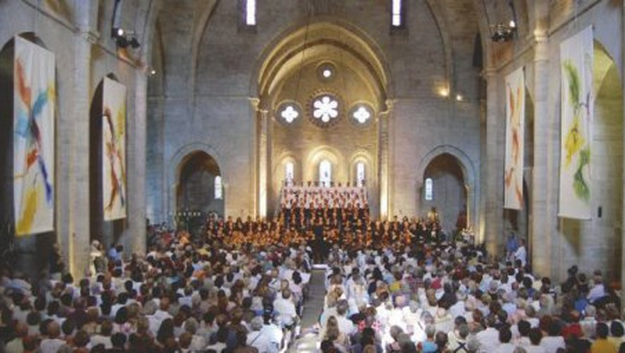 L'été, l'Abbaye de Sylvanès accueille des concerts de musiques sacrées et traditionnelles.