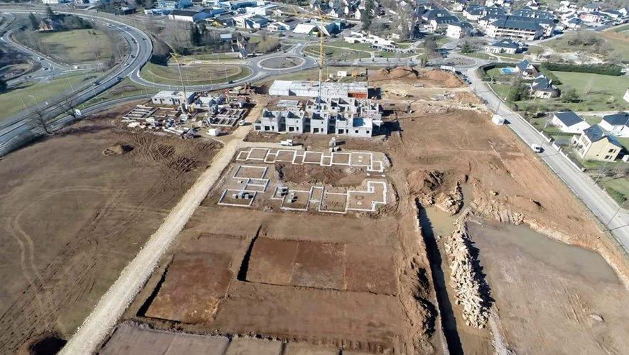 Commerces, logements... Le grand chantier a débuté, il devrait être achevé au début de l'année 2019. Le projet est né dans le cadre du programme local de l'habitat du Grand Rodez 2012-2018. Son emplacement a été défini comme une zone attractive de l'agglomération où favoriser l'habitat.