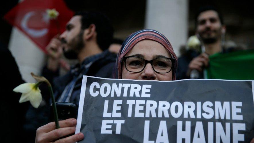 """Face à """"l'Europe de la terreur"""", la presse appelle à """"l'union sacrée"""""""