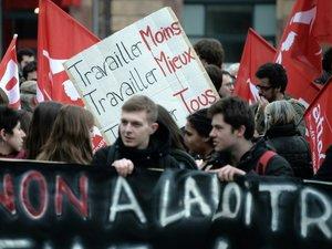 Violences et interpellations lors des manifestations contre la loi travail
