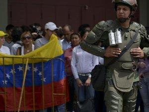 Venezuela: poursuite des violences, Obama appelle à libérer les manifestants détenus