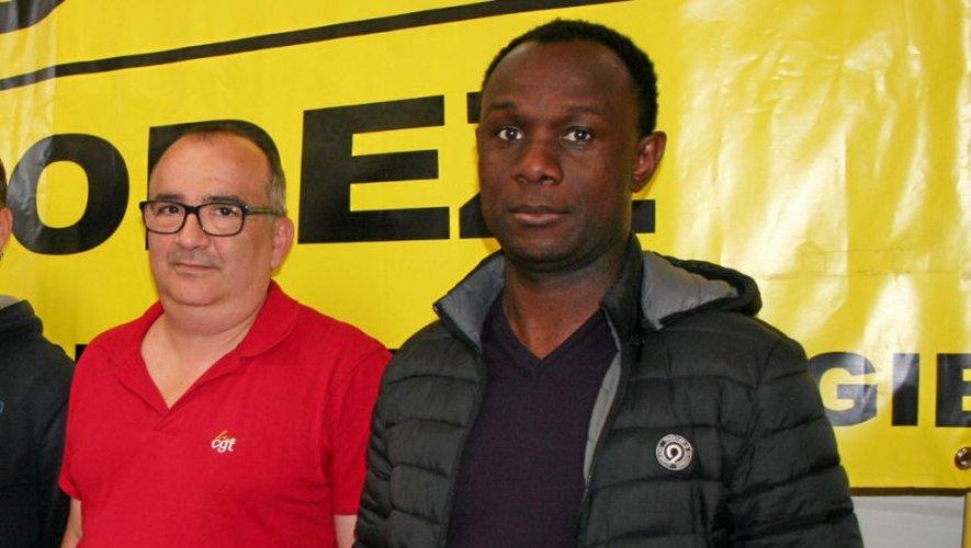Yannick Anglarès (à gauche), ici aux côtés de Kamal Ahmada, délégué CGT Bosch à Vénissieux (Rhône).