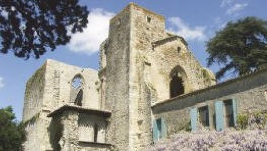 Saint-Martin-le-Vieil L'abbaye cistercienne de Villelongue est une maison privée