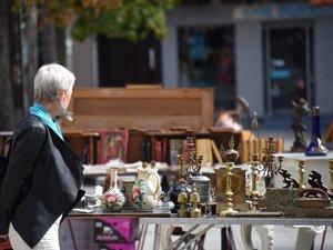 Rodez : les brocantes sont de retour place du Bourg