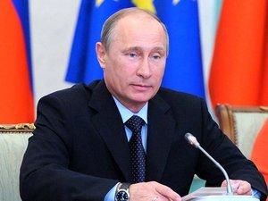"""La Russie n'a pas livré """"pour l'instant"""" de missiles S-300 à la Syrie"""