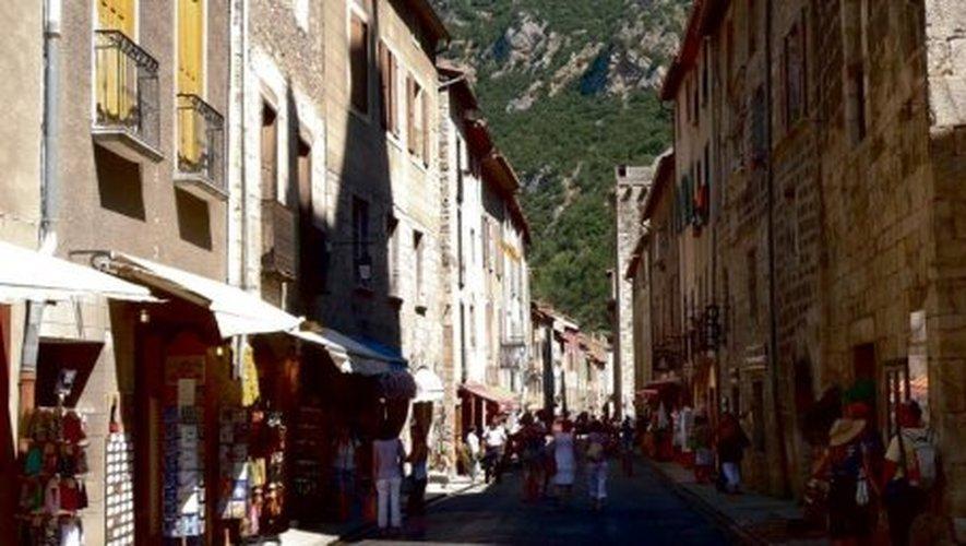 Les ruelles de la cité médiévale apportent leur lot de surprises.